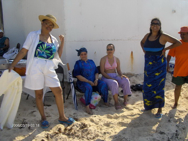 Dames Ladies on a Bahamian Beach - Nassau, Bahamas