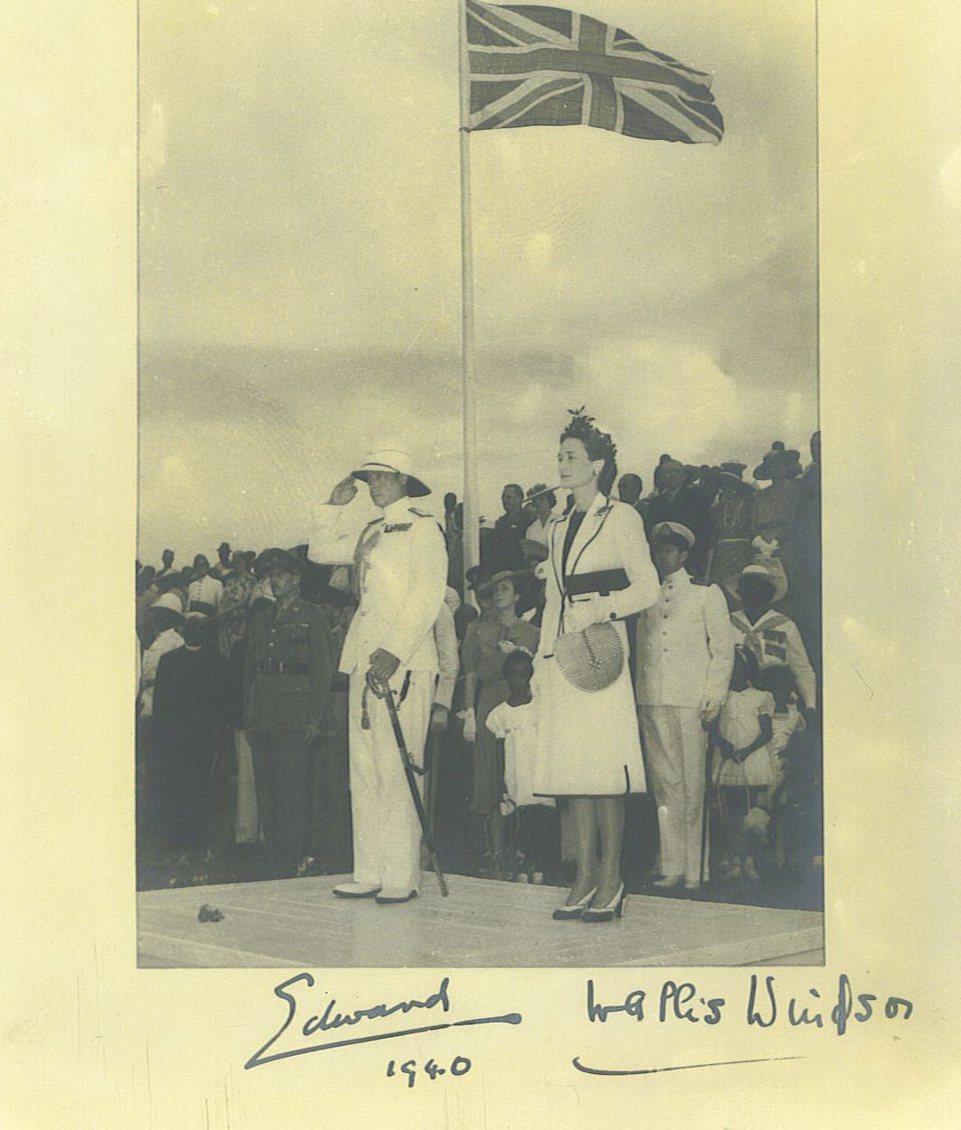 Bahamians welcome the Duke and Duchess of Windsor to The Bahamas
